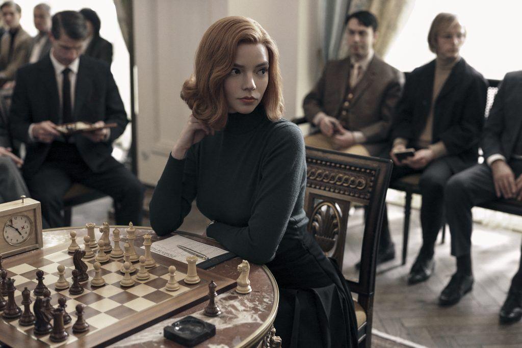 The Queen's Gambit 《后裔棄兵》中,安雅泰勒喬伊化身天才西洋棋少女