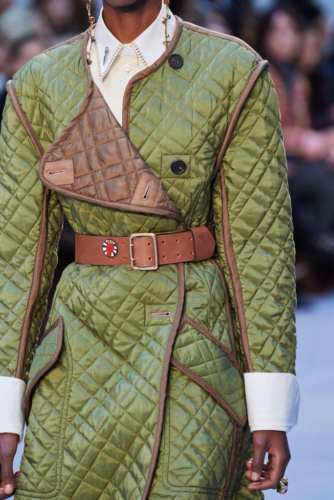 「绗縫」的意思?「绗縫」指的是用長針縫製有夾層的紡織物
