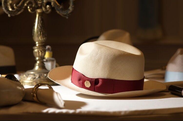 帽子、草帽、紅色緞帶、巴拿馬草帽