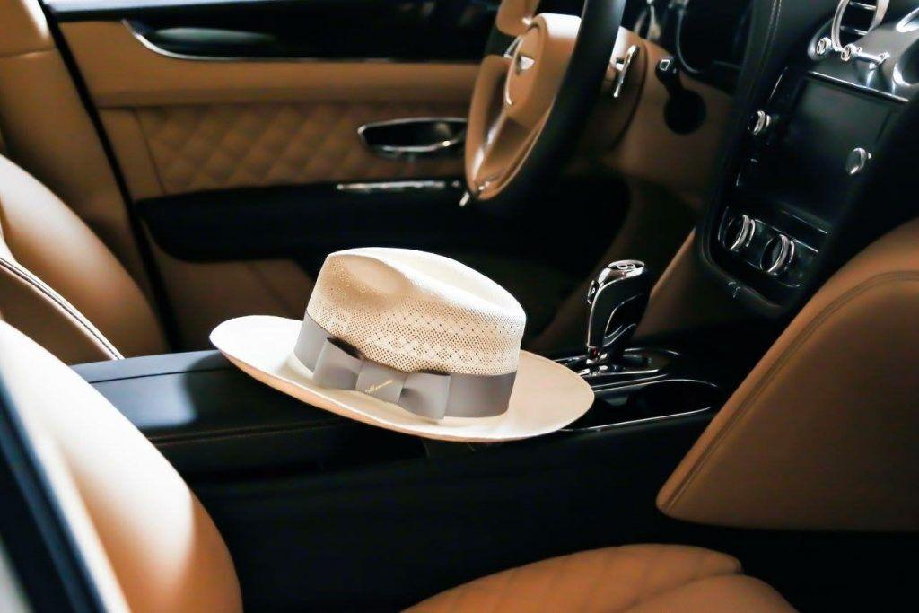 帽子、草帽、銀色緞帶、巴拿馬草帽