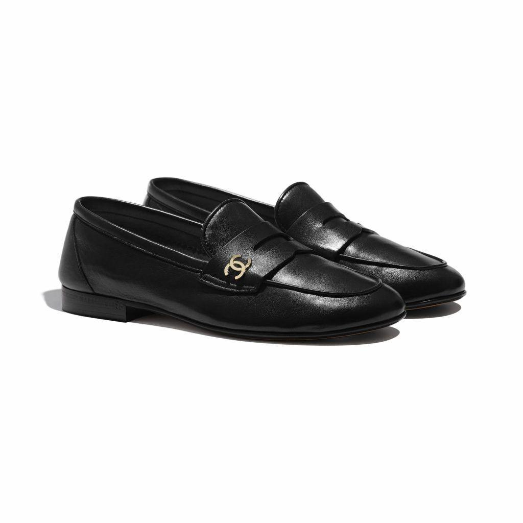 CHANEL小羊皮黑色樂福鞋/31,300元